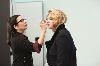 BOBBI BROWN「深層大眼秘技」雙層堆疊新概念,打造摩登魅力眼妝
