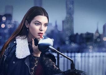 雅詩蘭黛全球品牌代言人Kendall Jenner 席捲秋冬伸展台,帶來全新2015秋妝新意象