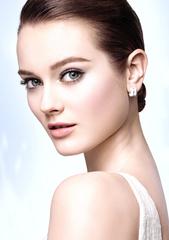 香奈兒 -【珍珠光感超淨白底妝及彩妝系列】回青春的白皙光采