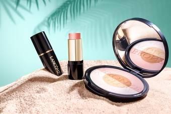 蘭蔻 - 2018夏季限量彩妝「光漾亮彩餅」「光漾腮紅霜」蔚藍海岸粉金色光芒 就此吻上雙頰…