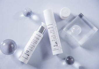 Sisley - 「極致美白全日防禦精華」 一瓶解鎖夏日美白淡斑x淡斑x防禦