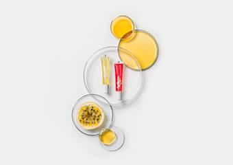 專心護唇‧油其必要 綠藤專心護唇油  秘魯黃金百香果籽油萃 完整實現三重滋養