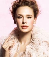 [限量] 佳麗寶LUNASOL 2010限量聖誕彩妝+冬季限定商品   粉金纖細光采 打造冬季奢華立體淨化彩妝