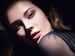 [限量] 香奈兒2011秋季彩妝「星沙幻采系列」 光影流動間的奇幻金屬妝容