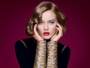 [限量] 香奈兒2011耶誕限量彩妝系列 金與紅閃耀出的極緻奢華