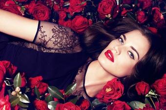[新品] Laura Mercier蘿拉蜜思 2012秋冬 全新玫瑰香頌唇膏&勾勒豐唇筆 讓雙唇如晨露沁潤後的新鮮玫瑰