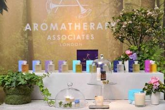 [新品] AROMATHERAPY ASSOCIATES療癒系心能量沐浴油,為身心靈注入正面暖流