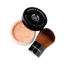 The Body Shop 美體小舖 蜜粉-礦泉雙效蜜粉底SPF25 Nature's Minerals Foundation SPF25