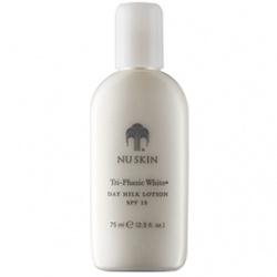 瀅白三效嫩膚乳SPF15 PA++ Tri-Phasic White&#8482 Day Milk Lotion SPF 15&#8226PA++