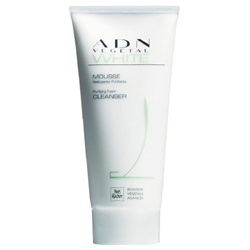 深度白肌因保濕潔面乳 ADN VEGETAL Purifying Foam Cleanser