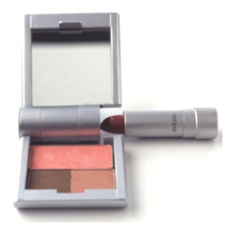 輕巧彩妝盒 Environmental CompactTM Essentials