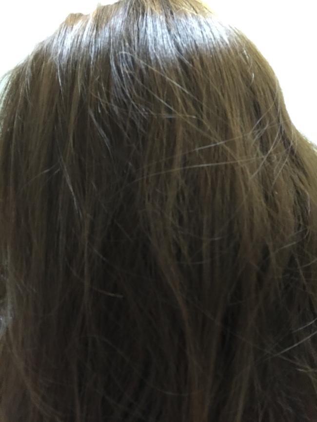 髮品體驗~來自海倫仙度絲(head&shoulders)的絲滑柔順去屑洗髮乳~氣味清新,使用舒爽,蠻好用唷! 保養品分享